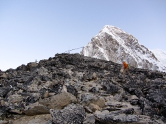 Pnuru climbing the last incline at dawn.