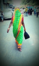 Curvature of a Sari